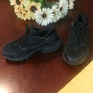 Nike Air Huarache All Black Running Light Weight
